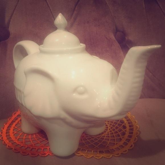 Porcelain Elephant Teapot 🐘🍵💖